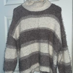 NWT Debut Long Sleeve Soft Sweater